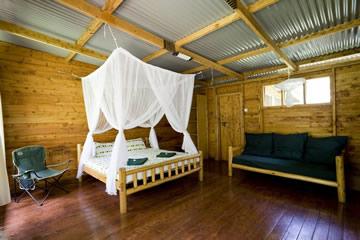 budongo-eco-lodge-bedroom